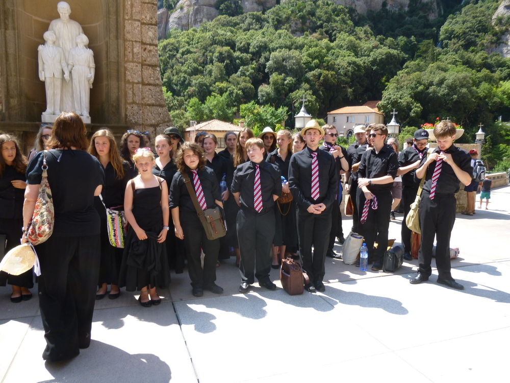Montserrat Abbey - before singing